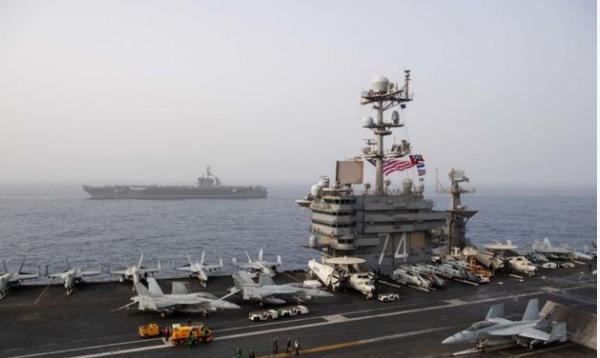 伊朗反击态度为何如此强硬?五枚导弹呼啸发射,美航母收到见面礼