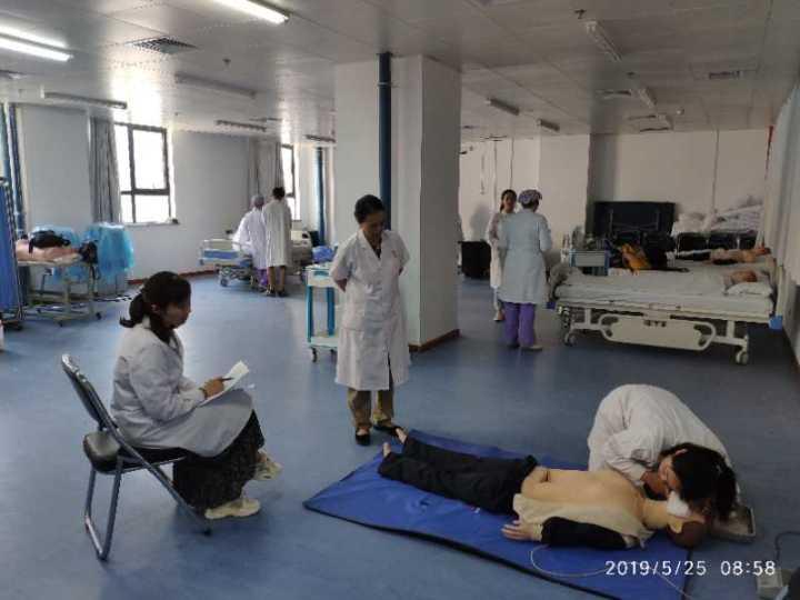黄河科技学院医学院护理系在郑大第五附属医院进行临床课程实践考核走访活动