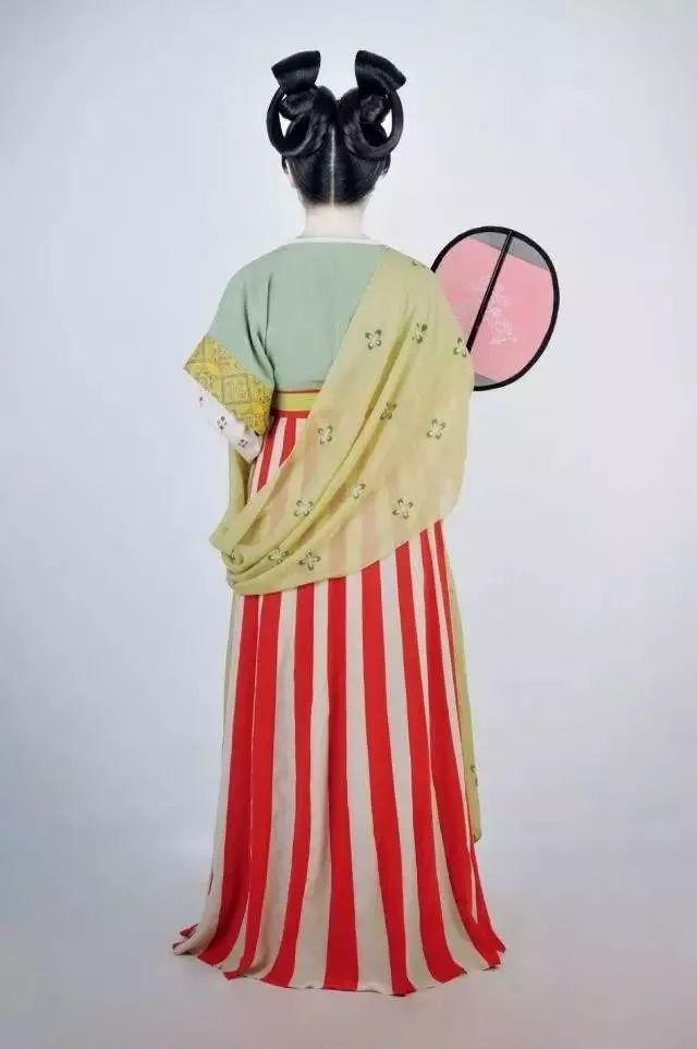 汉服热 火爆抖音,登上 天天向上 ,11年匠心这群80 90后复原了200套古代服饰,惊艳全球为中国文化点赞
