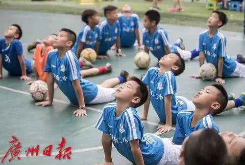 献给中国援非医疗五十六载非凡岁月