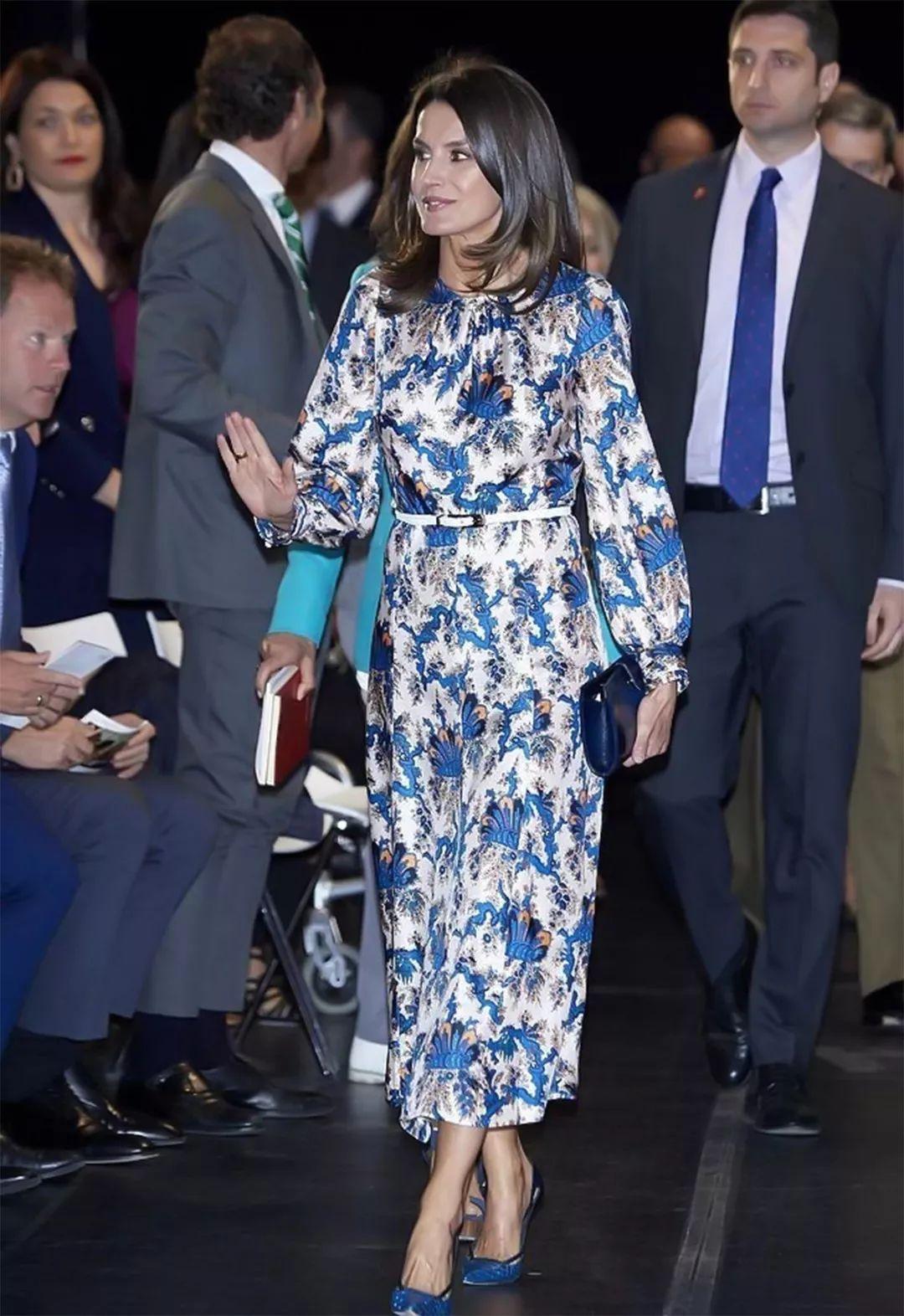原创川普家三朵花同穿印花衣,继母超霸气,伊万卡清新,蒂芙尼好壮实