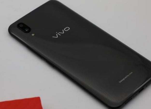 VIVO为摆脱高价低配!5000mAh超大电池次旗舰,售价更诱人!
