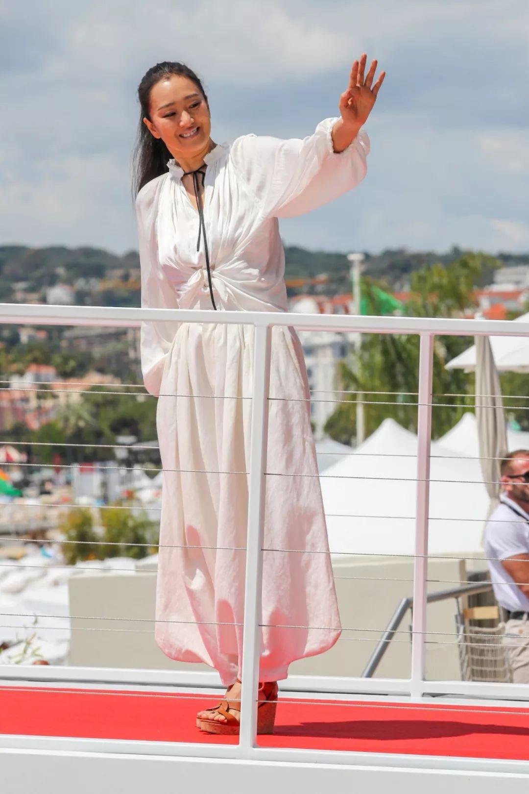 女明星里,纯白色谁穿得最高级?