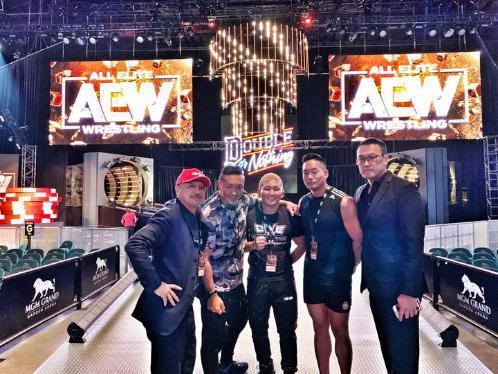 中国原创娱乐体育品牌OWE爆红美国AEW职业摔角万人大赛