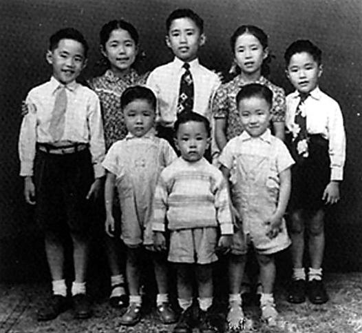 民国才女遭变故丧夫,一人带8个孩子,拜师张大千成国画大师