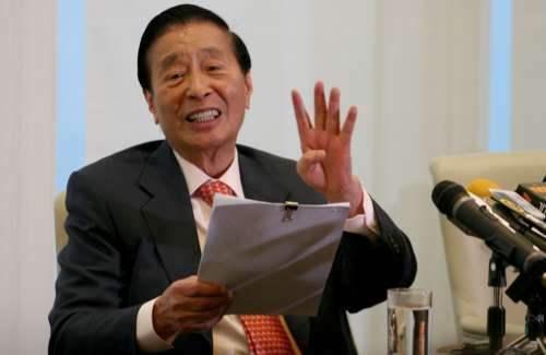 地产大亨李兆基:投资是场修行,小钱在智,大钱在德,百忍成金