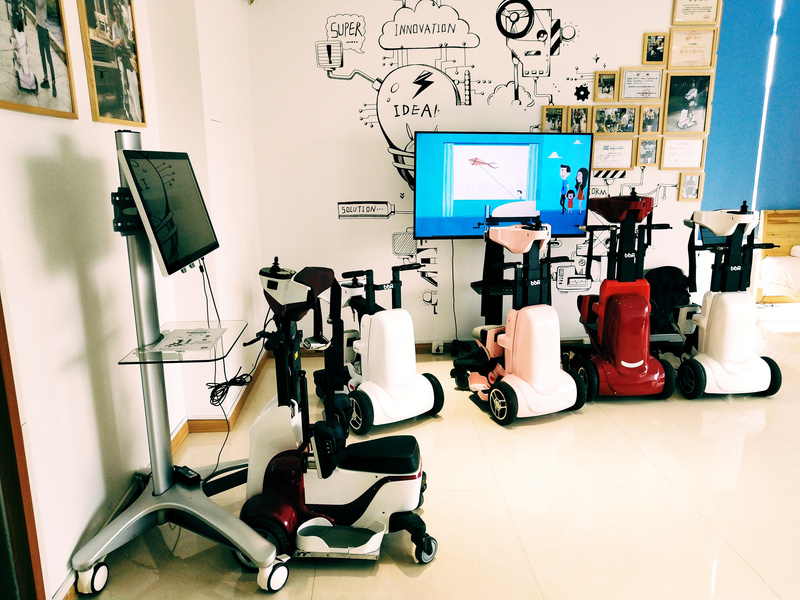 """轻量化辅助机器人前景广阔,「邦邦机器人」要先让弱能群体跟轮椅说""""拜拜"""""""
