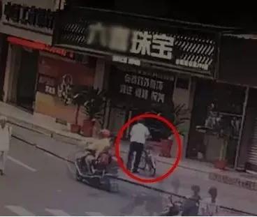 奇闻!福清一79岁老人骑车20多公里去偷东西?