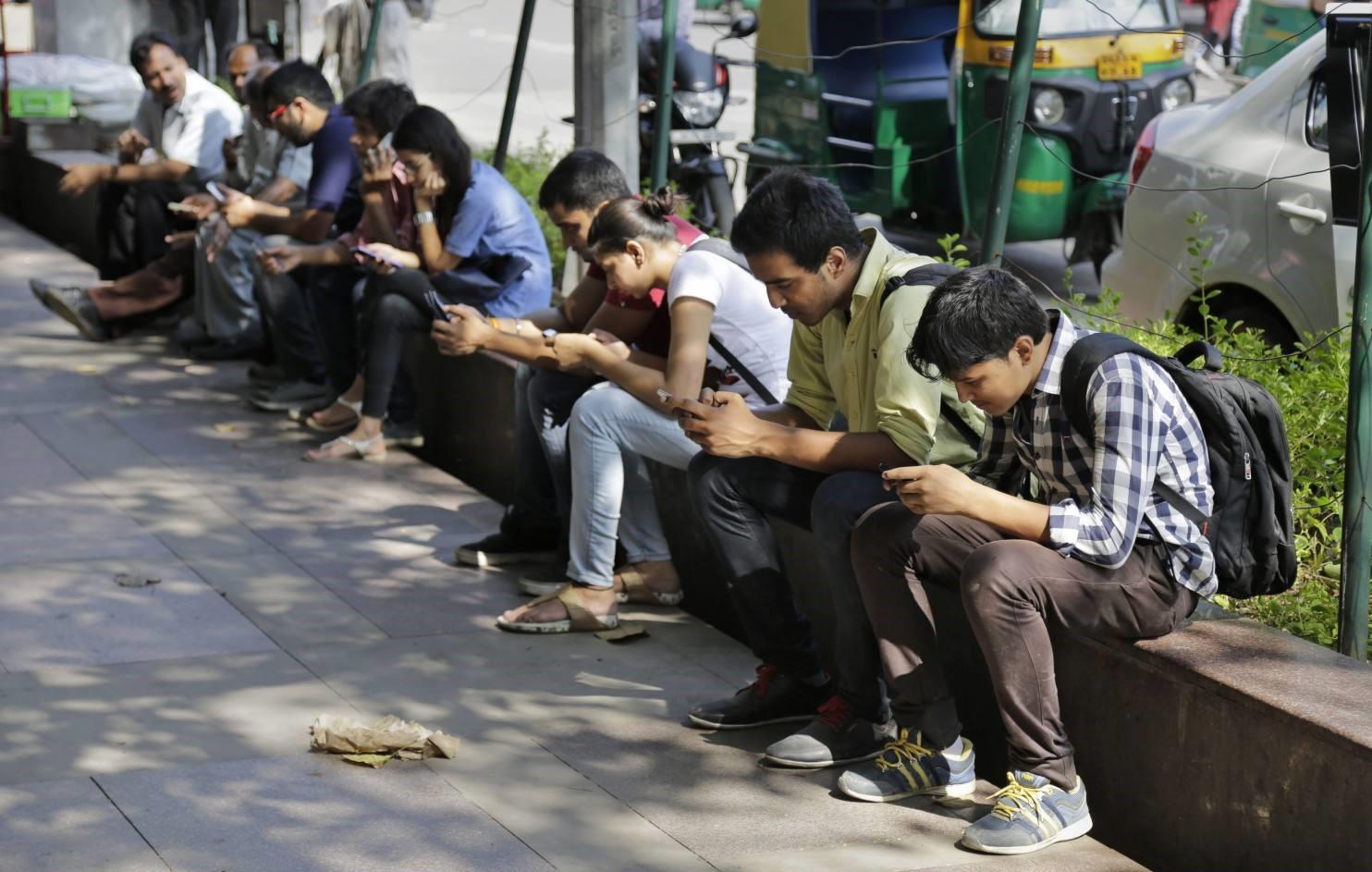 """下一代智能手机,会将面临""""分裂""""吗?"""