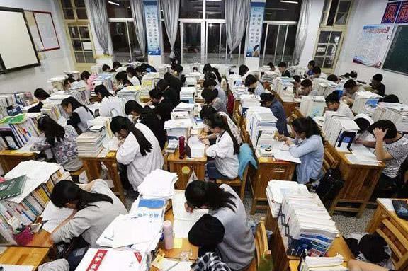 13省公布高考人数,9省再创新高,2019高考计划录取人数超过700万