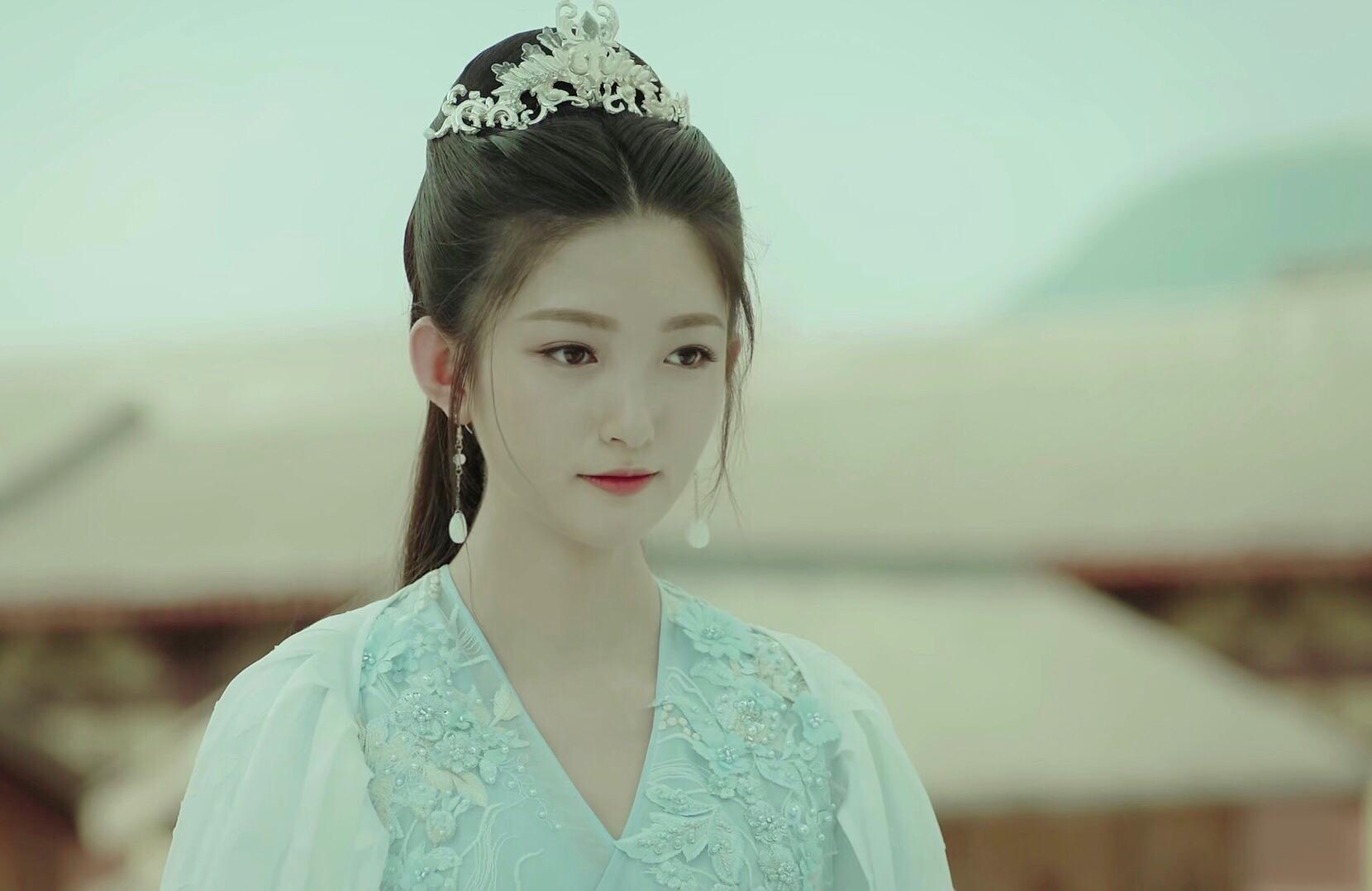 张晗甜美演绎《凤弈》少年长公主 少女为爱成痴惹人怜