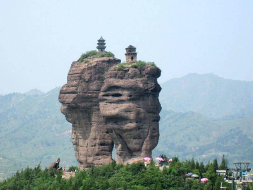 世界未解之谜:建于山峰上的神秘寺庙,如何建成至今成谜