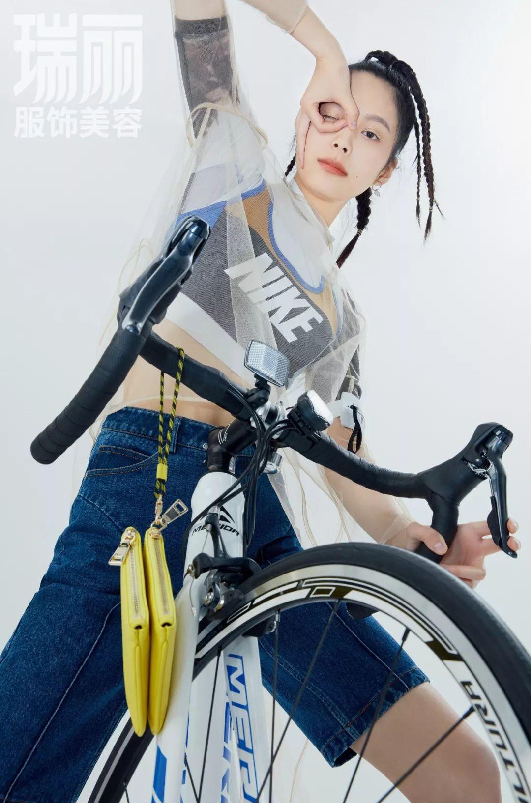 运动内衣  多件叠穿增加支撑强度 骑行时选择的贴身衣物是至关重要的