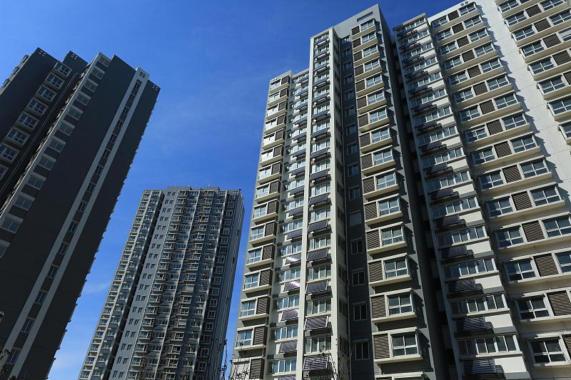 房地产投资年内首次转正 房企拿地力度加大