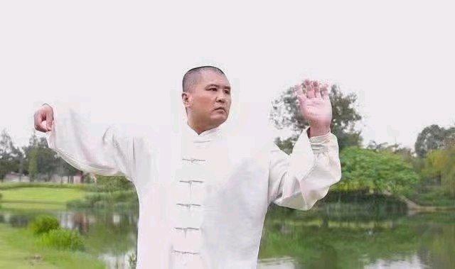 原创            太极大师雷雷疑警告闫芳高徒:别被忽悠,受了伤谁疼谁知道