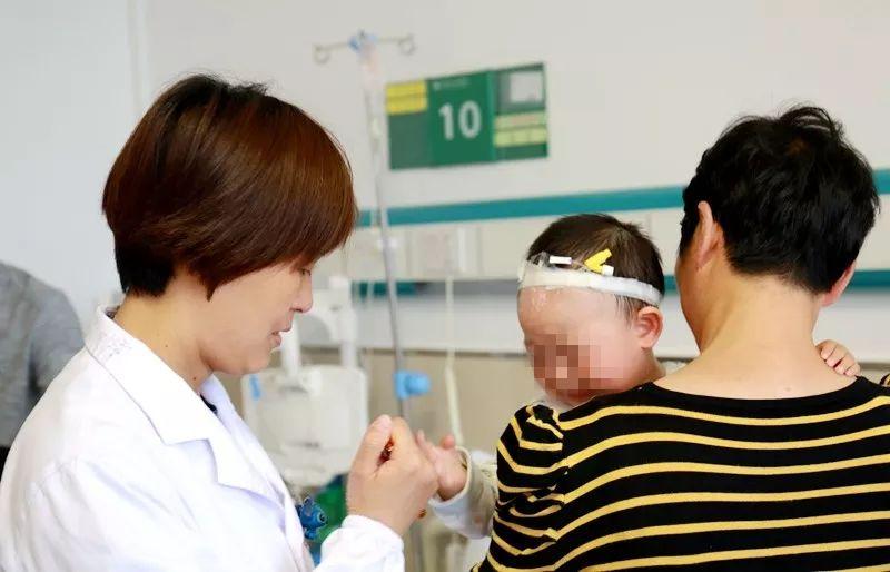 【医疗技术】腻害!我院成功为1岁患儿做了纤维支气管镜手术