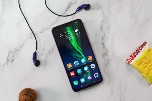 61节买手机不要盲目跟买,但要买实实在在的!值得选的千元机