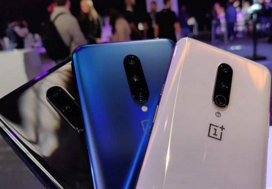 两款屏占比最高的旗舰手机!一款还是高配低价,哪款更让你心动?