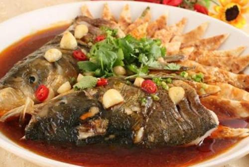 为何营养师说,鱼头泡饼这道菜不健康?爱吃鱼头的你,要看清楚