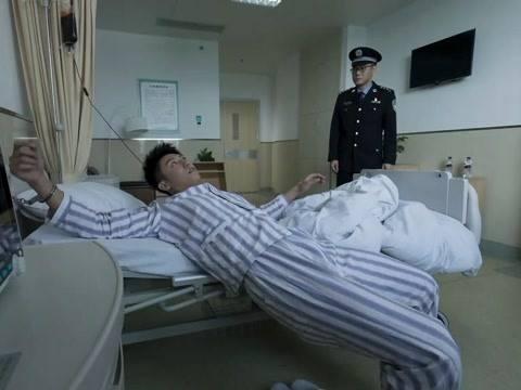 黄景瑜回应对李飞人设量疑:激动刚强才气扯开塔寨