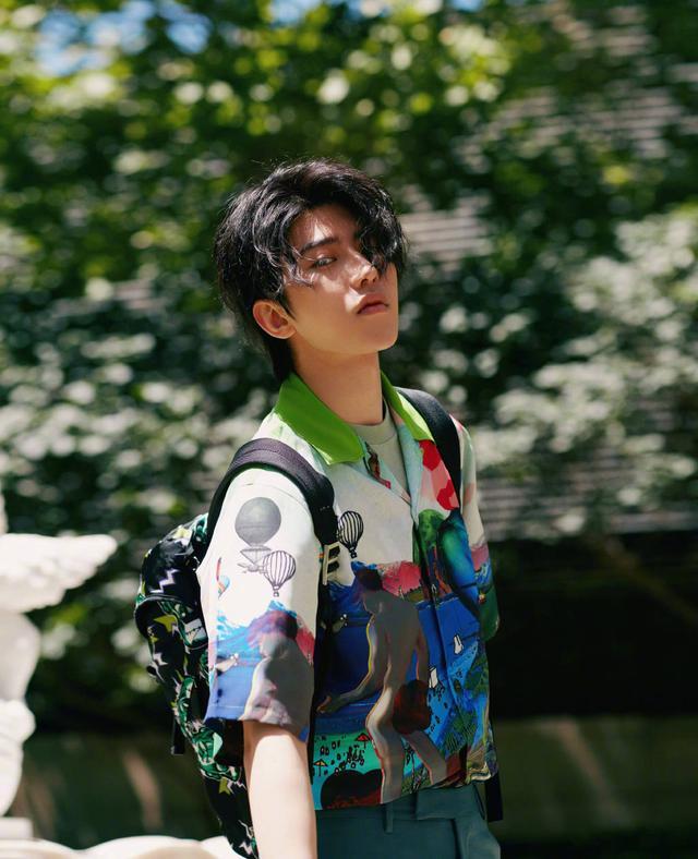 官宣 蔡徐坤首次加盟综艺,突破自我让人期待