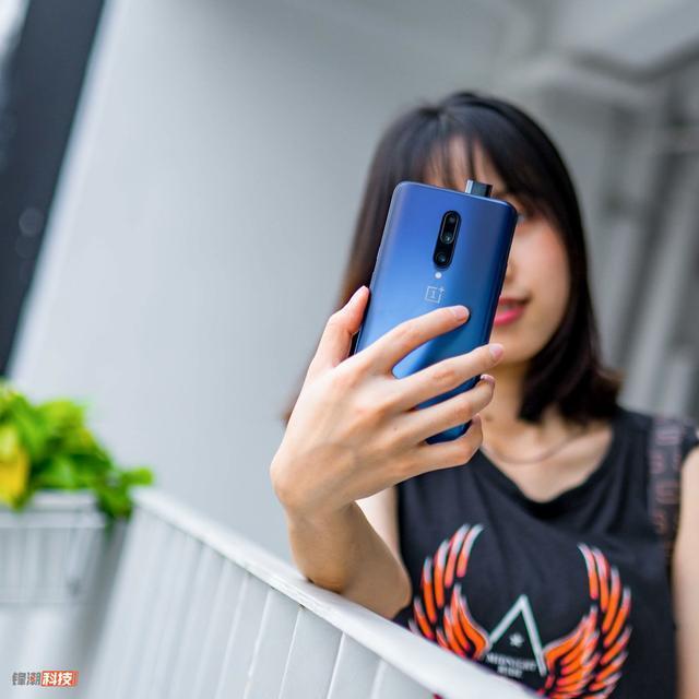 不是小米魅族!网友票选最喜欢的手机,没想到冠军居然是它