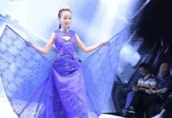 体育 正文  此次少儿模特大赛主要针对4-16周岁少年儿童,报名参赛的