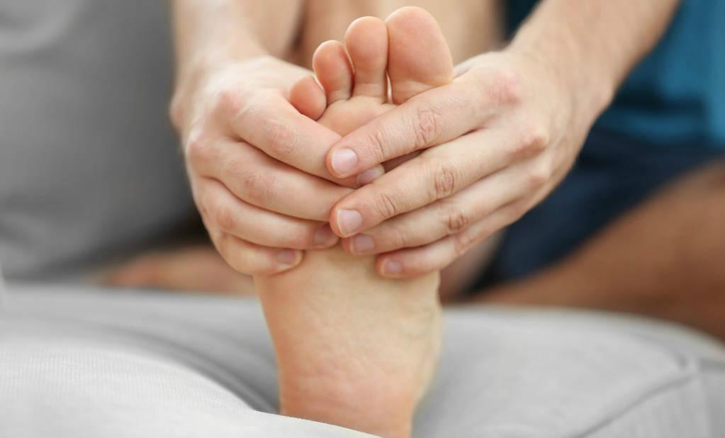 体内有癌,腿部先知,腿部若有这三个特征,癌症可能已经到访