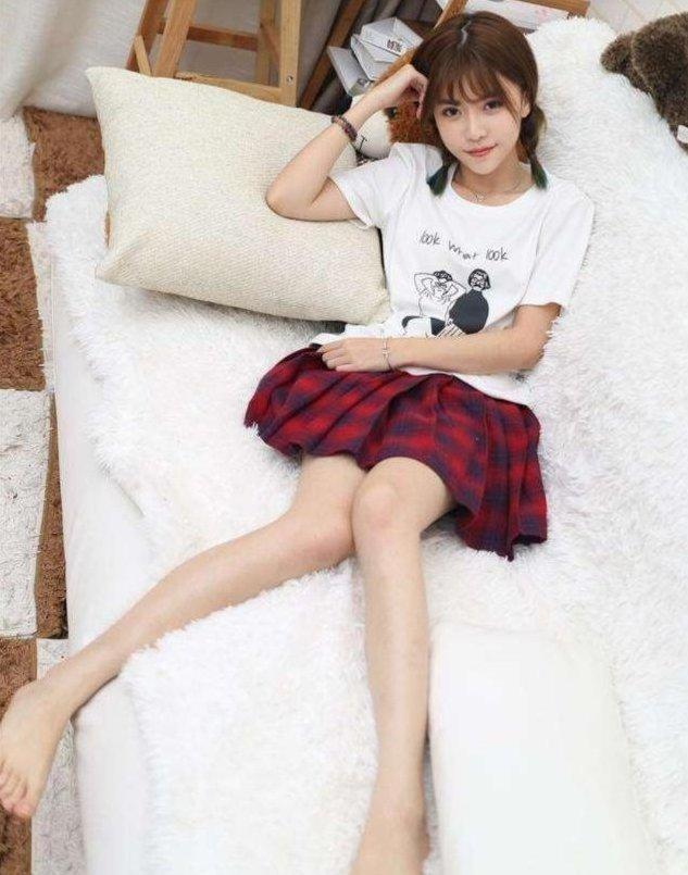 新宝6娱乐:腿玩年!看看女主播美腿排行榜