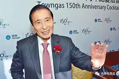 香港第二有钱的人退休,他的千亿身家会给谁?