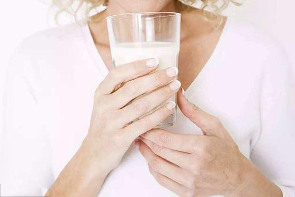 孕妇奶粉哪个牌子好 如何选择孕妇奶粉