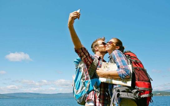 导游提醒:出去旅游时,这些东西最好少带点,带多和带少区别很大