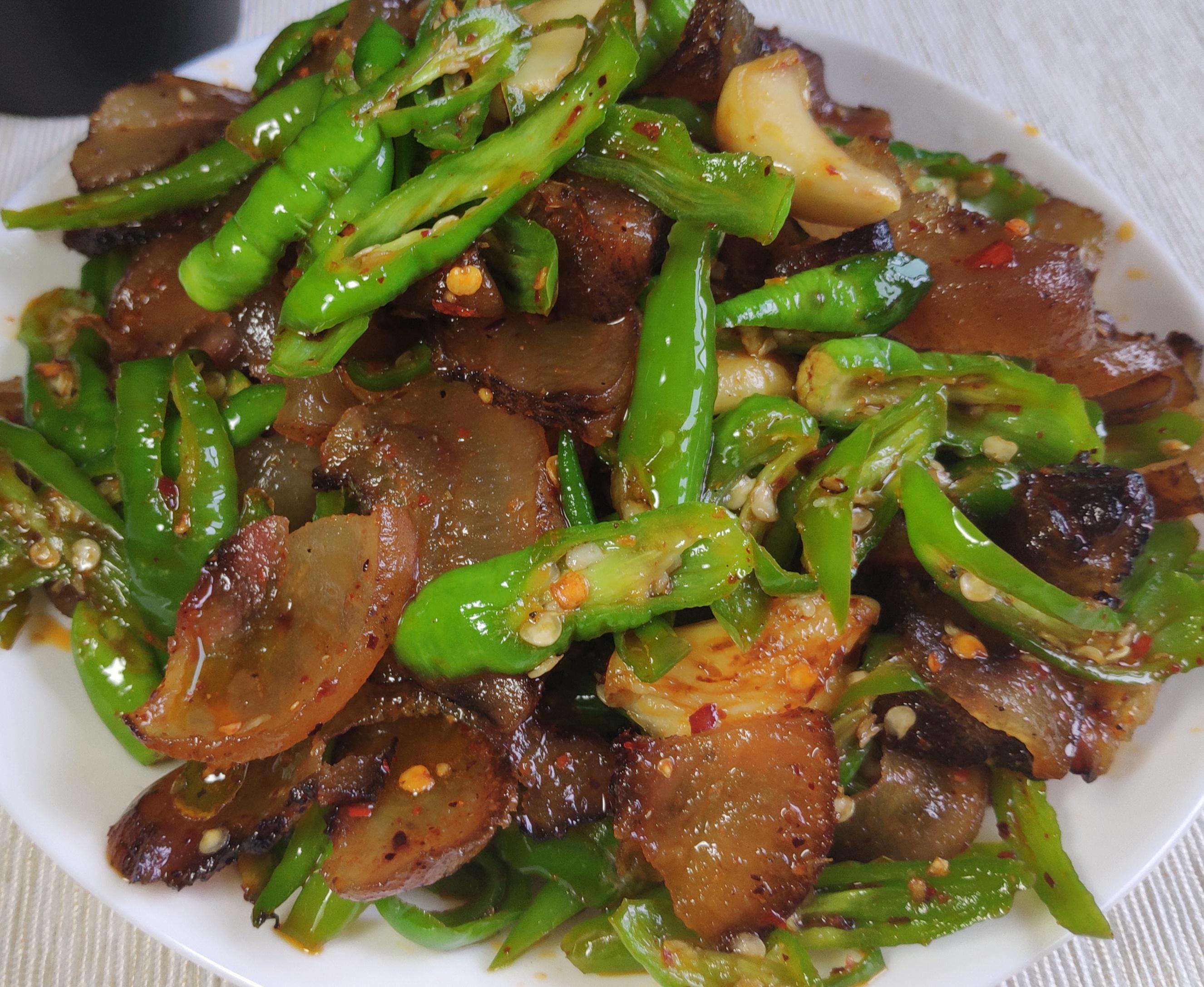 青椒炒猪头肉的做法_妈网百科