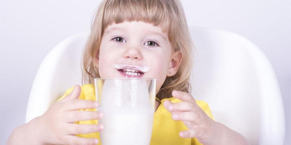 食话食说 | 号称儿童专用的水、牛奶、饼干、酱油,该买吗?