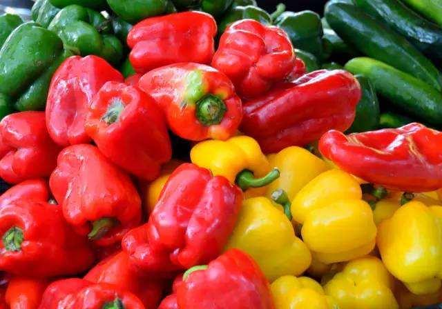 食话食说 | 不同颜色的甜椒,营养有区别吗?