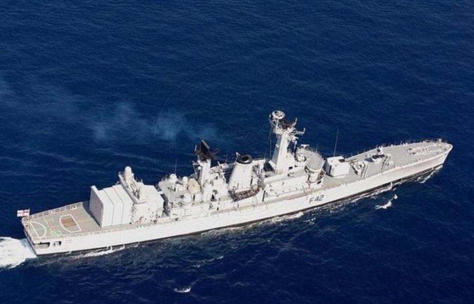 6000万桶石油突破军舰封闭,东方军舰随身护航,辽宁石油大学