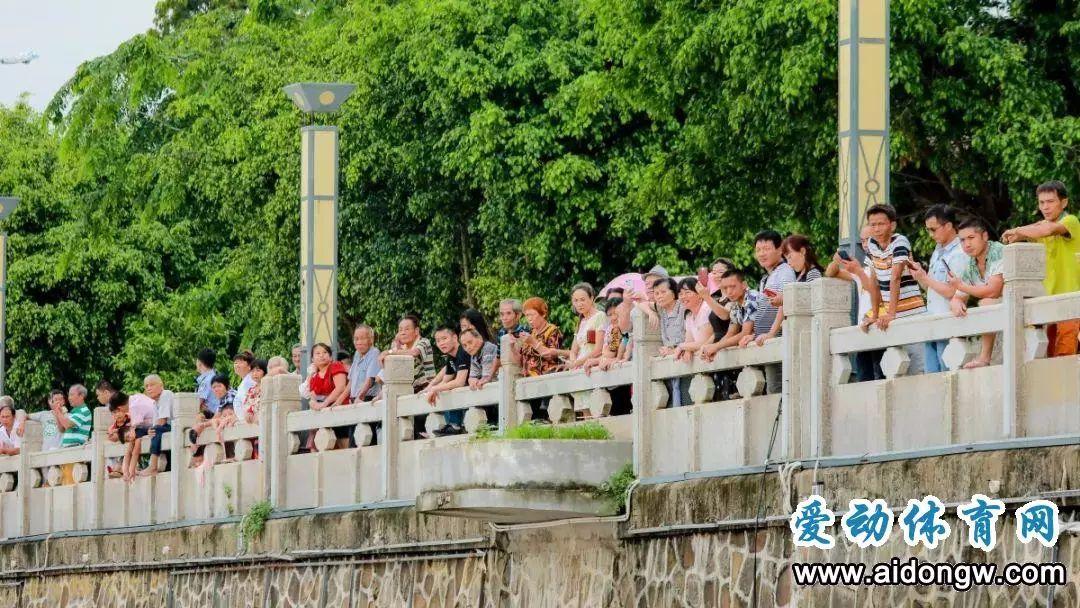 大发:海南省龙舟行为协会会长李培等出席闭幕式并为获奖步队颁奖