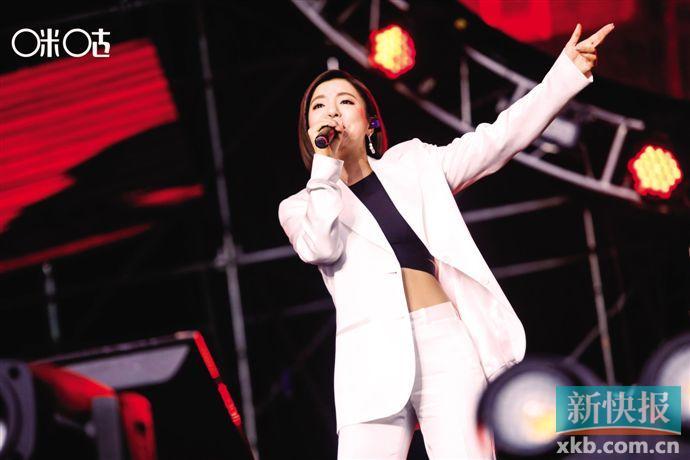 7月登陆广州 丁当边走边唱《爱到不要命》
