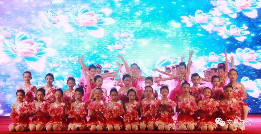 此次v学生充分热爱了中华民族优秀学生,弘扬了龙楼中心小学小学展现检讨书万能文化图片