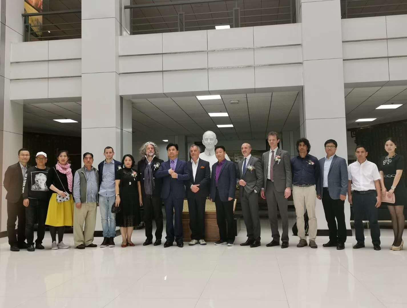 广东省时尚首饰及配饰协会与陕西服装工程学院达成校企合作意向