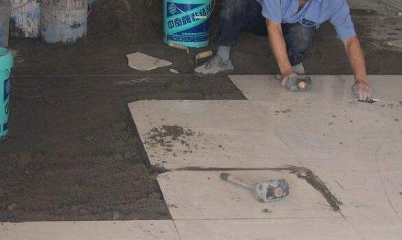 瓷砖干湿铺有什么区别?干铺竟然比湿铺还牢固?