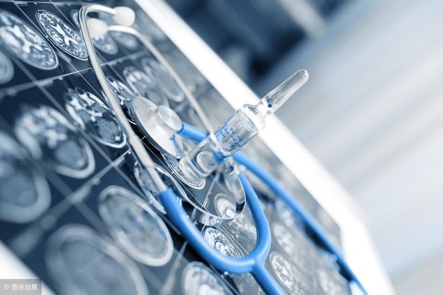 35岁患脑梗同时有高血糖,日常生活中应该如何调理?看医生怎么说