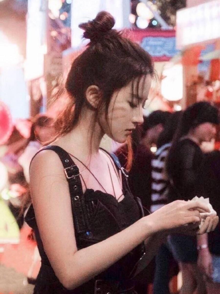 11位女星丸子头,夏日清爽又减龄!热巴娜扎仙美,赵丽颖baby少女 imeee.net