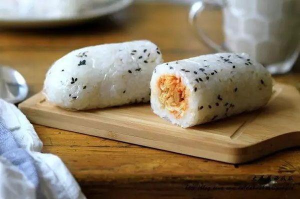自从学会了比寿司还好吃的饭团,我家隔三差五的做,全家都爱吃