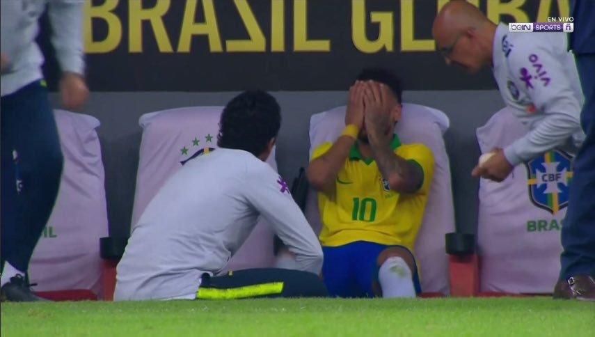 悲剧!内马尔受伤痛哭情绪接近崩溃 美洲杯恐告吹