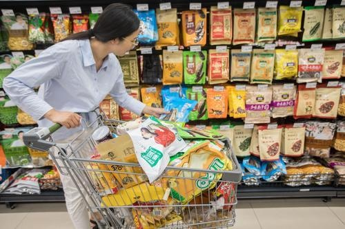 三只松鼠迎IPO 2万亿元产值的零食业问题