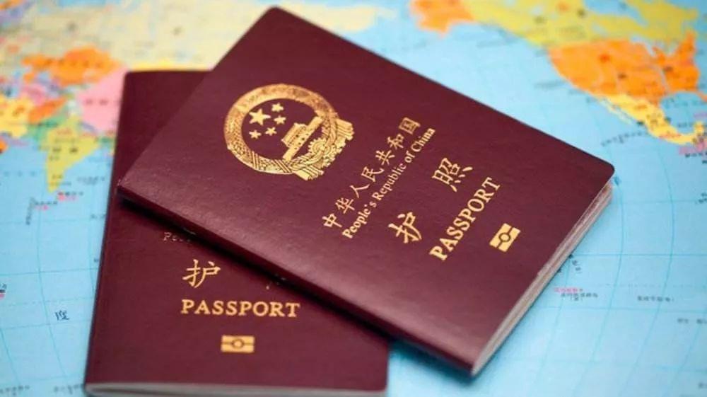 10个行李箱被抢!38名上海游客出国,结果护照没