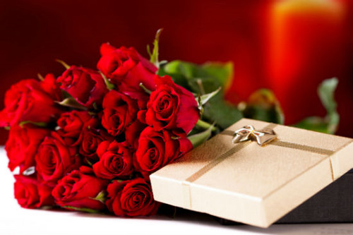结婚该送什么礼物_结婚五周年送老婆什么礼物最浪漫?_玫瑰