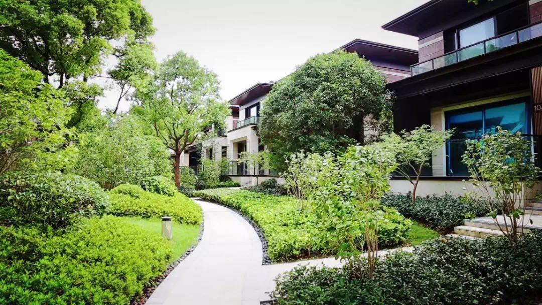 两种玄关楼梯别墅与别墅图片