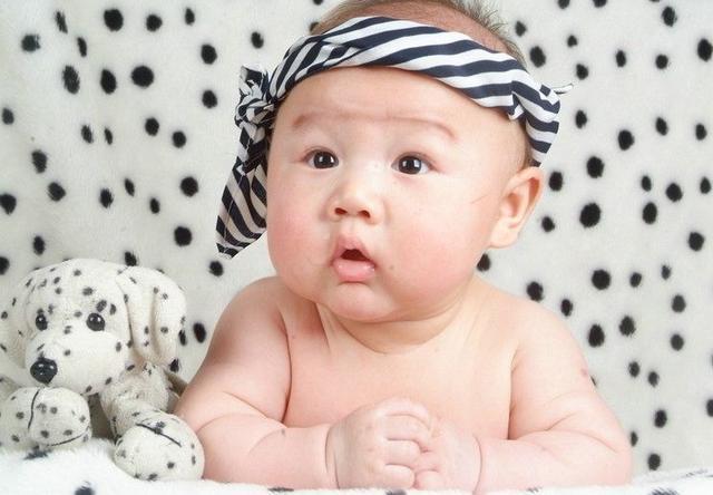 宝宝有这些表现,家长引导好就是高智商,看看你家娃占几个